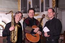 Bildinhalt: mit Saxophon, Gitarre, Orgel & Gesang
