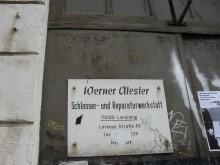Bildinhalt: Werner Alester, Schlosser- und Reparaturwerkstatt, 7033 Leipzig, Lützner Straße 59