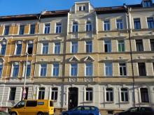 Bildinhalt: Mietshaus Endersstr. 27 in geschlossener Bebauung mit kleinem Waschhausgebäude im Hof