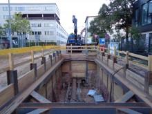 Bildinhalt: Bauarbeiten der Leipziger Stadtwerke (L) im August 2018 in der Gießerstraße/Ecke Karl-Heine-Straße 92: Fernwärmeerschließung im Leipziger Westen (Bauzeit: Mai-Oktober 2018)