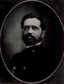 Bildinhalt: Ernst Georg August Baumgarten (* 21. Januar 1837 in Johanngeorgenstadt; † 23. Juni 1884 in Colditz) war ein deutscher Forstmann und Erfinder. Georg Baumgarten war der Sohn des Obersteuerkontrolleurs August Baumgarten und dessen Frau Adelheide (geb. Schaarschmidt). Von 1857 bis 1859 studierte er Forstwissenschaften in Tharandt. Nach Beendigung seines Studiums arbeitete er zunächst als Forstgehilfe und wurde 1866 Förster in Böhringen bei Roßwein. Ab dem Jahr 1869 war er als Oberförster in Pleißa tätig. Noch vor seinem Umzug nach Grüna (bei Chemnitz), als königlich sächsischer Oberförster leitete er dort von 1871 an die Oberförsterei, entstand im Jahr 1871 sein erstes Modell eines lenkbaren Ballons: eine