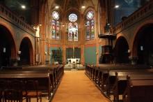Bildinhalt: Nathanaelkirche: Mittelschiff und Altarraum, Weihnachtszeit 2013/2014