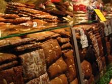 Bildinhalt: Lebkuchen in einem Lebkuchenstand, Foto: charley1965, CC BY-SA 2.0