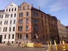Bildinhalt: Das Eckhaus Calvisiusst. 44 im Juni 2020.