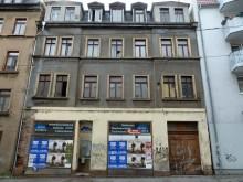 Bildinhalt: Das war die Hausfassade 2013 vor dem Umbau zum Antiquariat! Foto: Archiv Gerd Horn