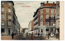 Bildinhalt: heutige Erich-Köhn-Str. 51 (rechte Bildhälfte), damals Wettiner Straße, Ansichtskarte von 1905, Archiv Gerd Horn